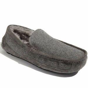 UGG Australia Wool Ascot Loafer 10